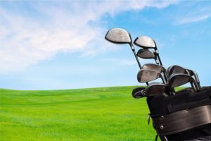 ゴルフっていくらかかるの?最低限必要な費用は?